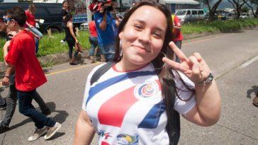 costa-rica-celebrating0614