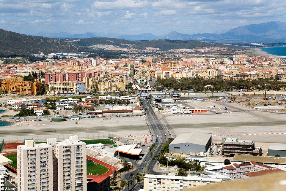 235C151000000578-2843881-Gibraltar_airport_has_made_full_use_of_the_minimal_space_and_lac-10_1416568473235