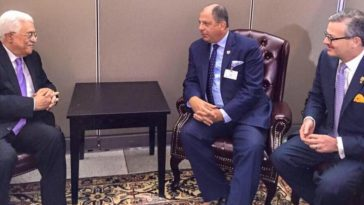 President Solis (middle) and Foreign Minister Gomzalez (right) met in New York with the Palistine president,