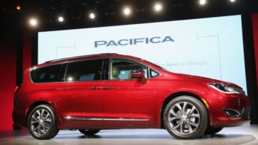 Fiat's deal with Google gives the tech company 100 Chrysler Pacifica minivans to add to its driverless fleet